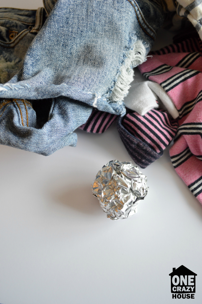 Aluminum Foil Hacks - Dryer Sheet Replacement