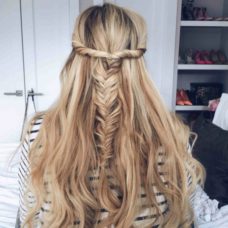 15 simple hairstyles that are half up half down this half twisted fishtail braid urmus Images
