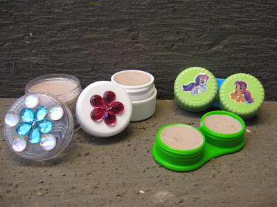 contact lens cases 11