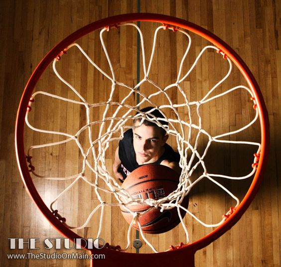 basketball senior picture