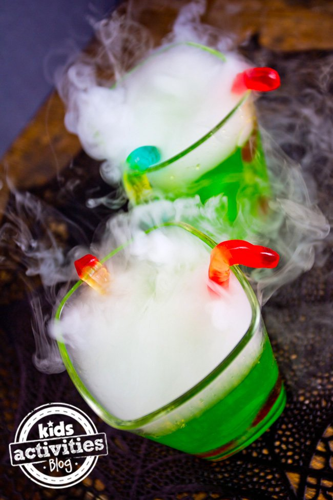 15 Hair Raising Halloween Drink Ideas