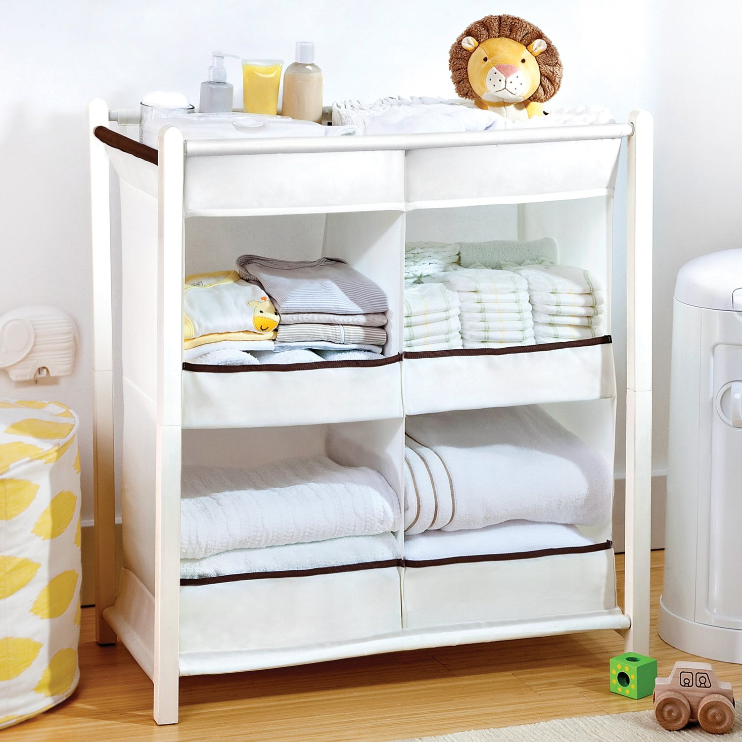 20 Ways to Get the Nursery in Order With Clothing Dividers