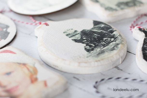 Create new memories while reflecting on old ones with these Homemade Christmas decoration from Landeelu.