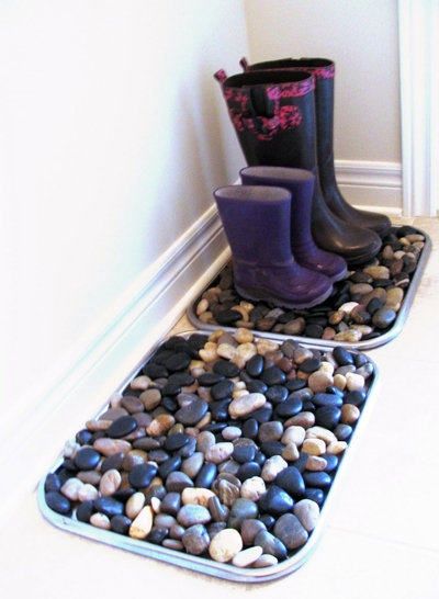 Awesome tips and tricks for boots include making these river rock trays to let boots dry without making the house dirty.