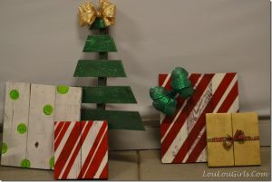pallet Christmas tree and presents