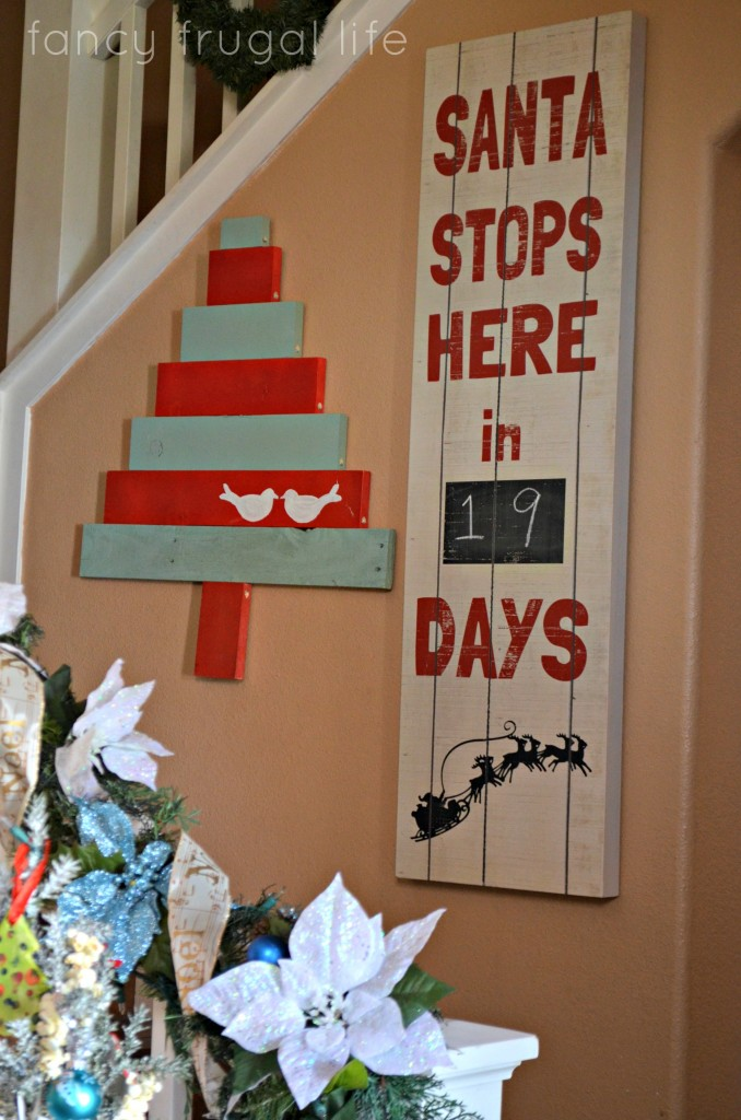 santa stops here pallet - Pallet Christmas Decoration Ideas