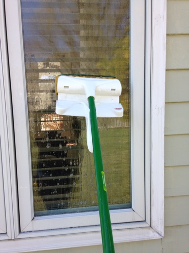 sponge-mop-to-clean-windows