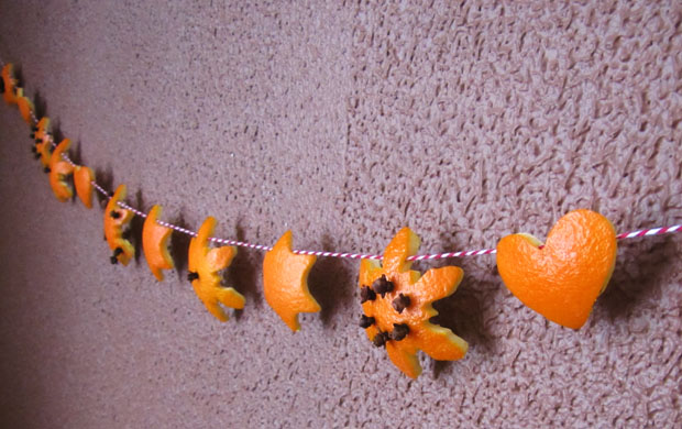 orange-peel-garland