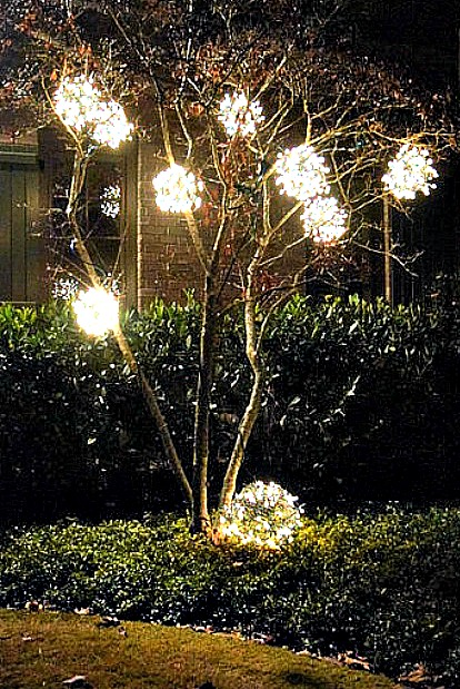 outdoor-lighted-ornaments