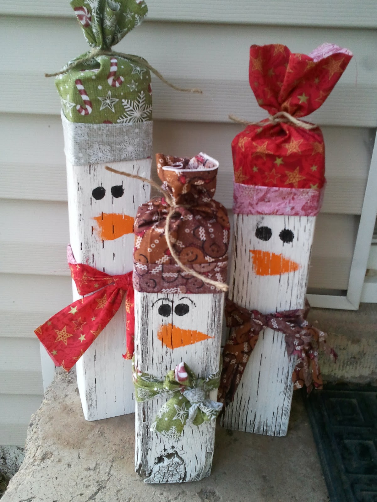 wooden snowman family - Wooden Outdoor Christmas Decorations