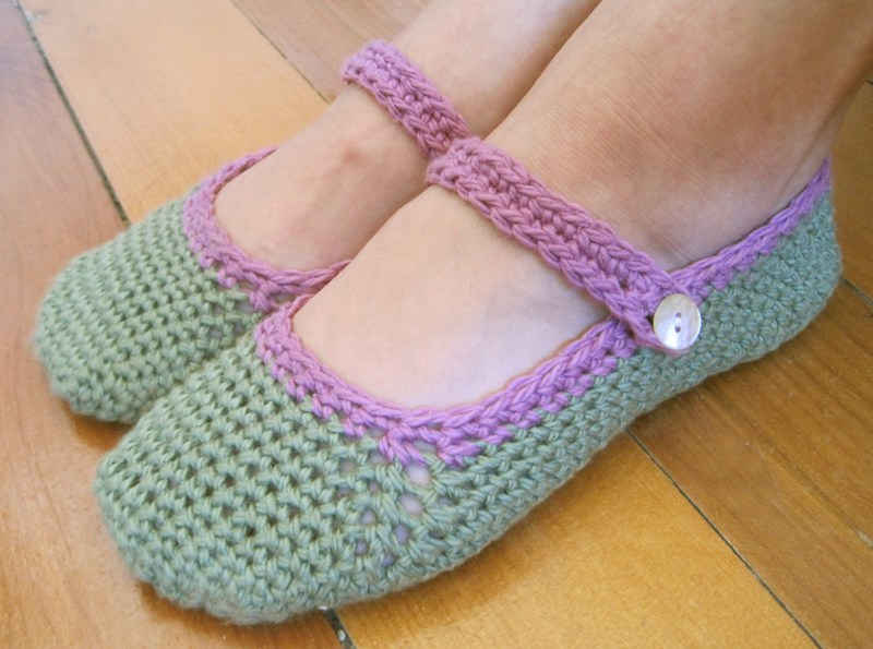 crocheted-slippers