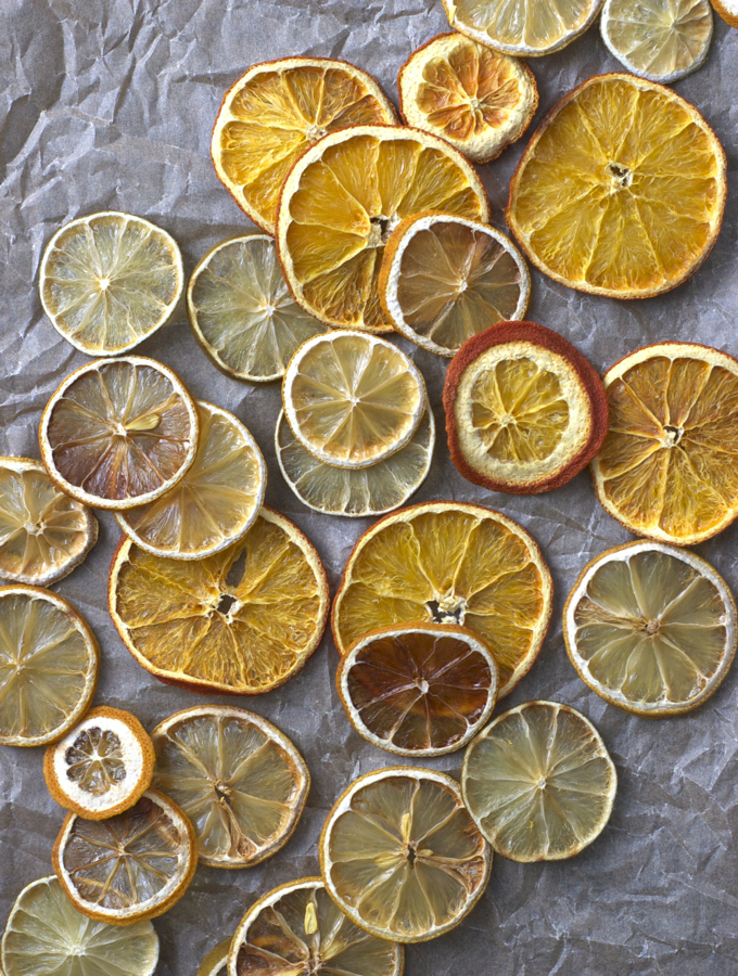 dried-citrus-wheels