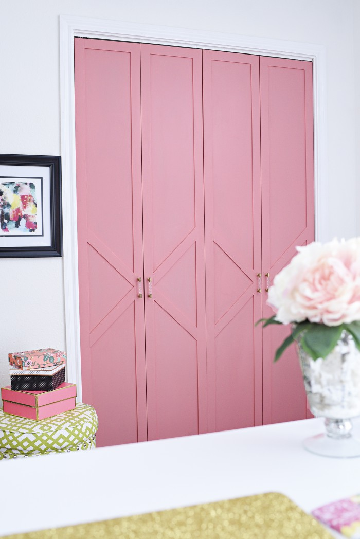 Painted closet doors Foyer And Finally If You Have An Old Pallet Lying Around Use The Wood To Create Your Own Sliding Pallet Closet Door One Crazy House 18 Closet Door Makeovers Thatll Give You Closet Envy