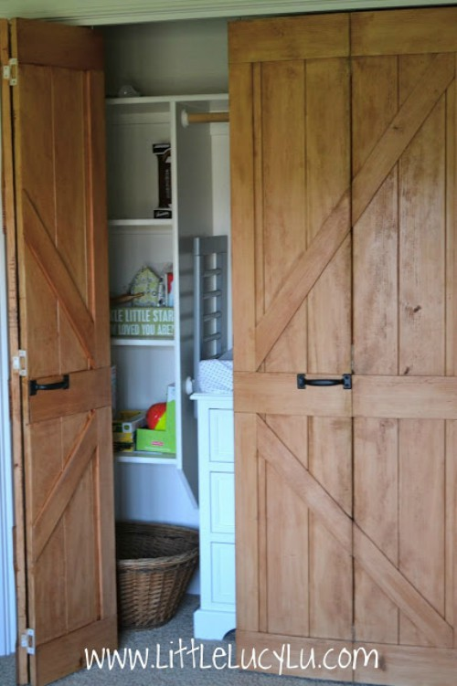 bifold-barn-doors - 18 Closet Door Makeovers That'll Give You Closet Envy