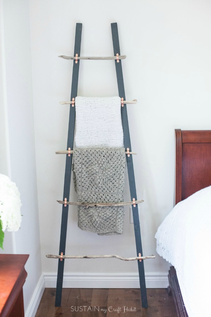coastal-blanket-ladder