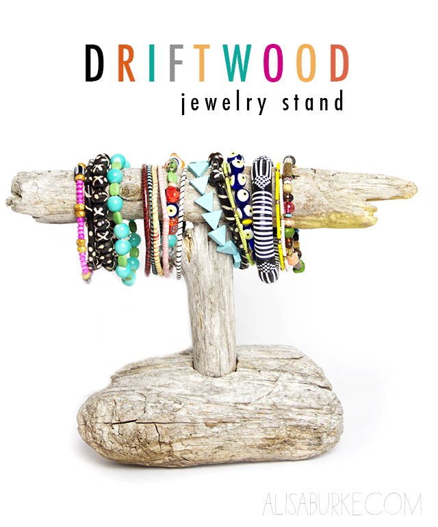driftwood-jewelry-stand