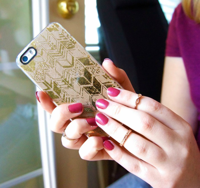 gold-arrow-phone-case