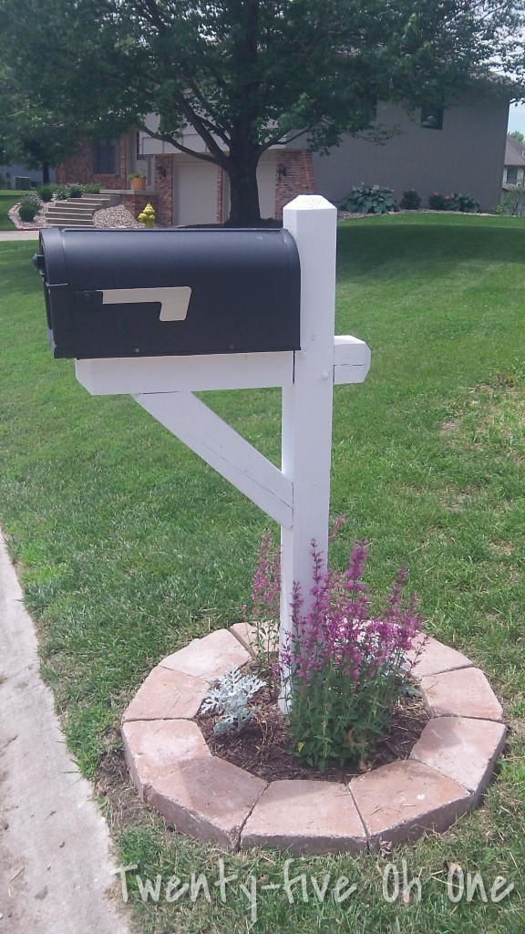 landscaped-mailbox