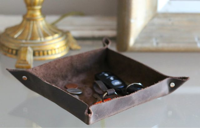 leather-catch-all-tray