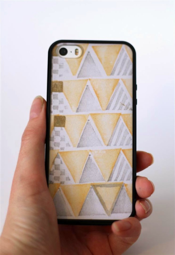 patterned-phone-case