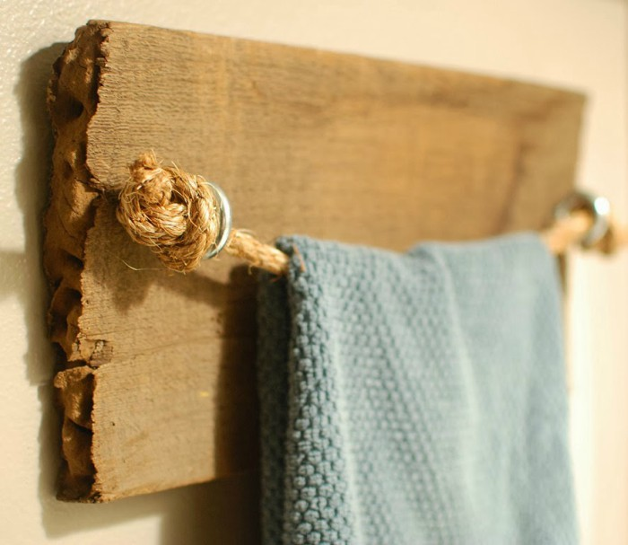 rustic-wooden-towel-rack