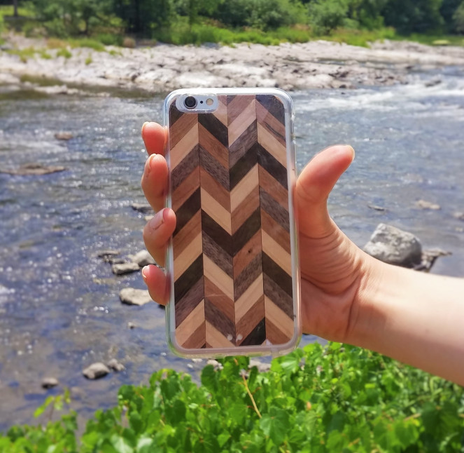 wood-veneer-phone-case
