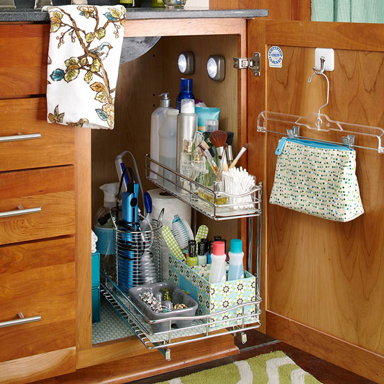 Simple Baskets Can Make It Easy For Guests To Find Towels Washcloths And The Toiletries They Need When Visiting Like These Under Bathroom Sink Storage