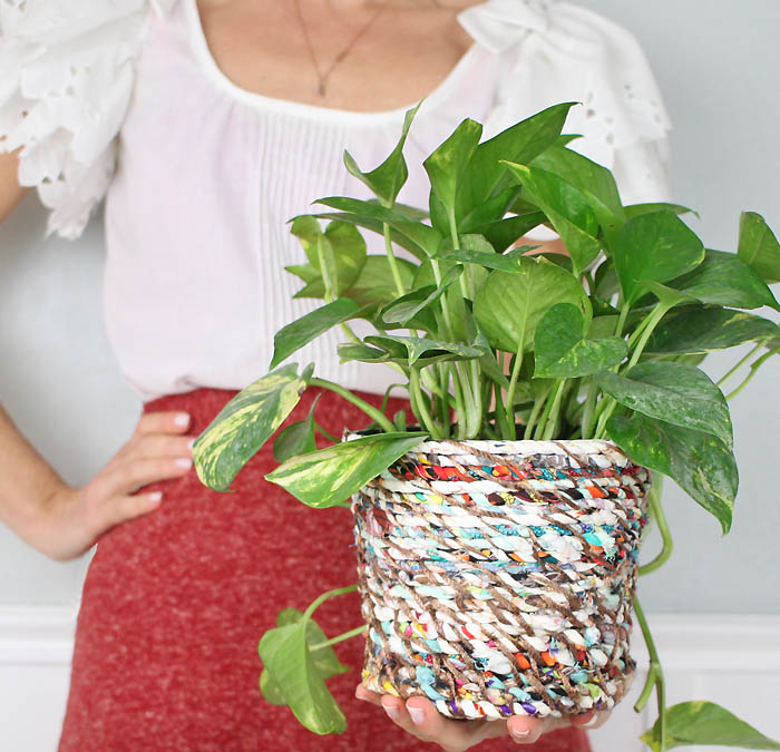 16 DIY Flower Pots to Get You Giddy About Gardening Homemade Indoor Plant Pots on homemade plant trellis, homemade plant labels, homemade plant hangers, homemade seed pots, cool house plants in pots, homemade plant stands, homemade plant containers, homemade upside down tomato plant, homemade plant watering, homemade orchid pots, homemade gardening gifts, tomato plants in pots, homemade clay pots, homemade plant tables, homemade plant benches, homemade plant markers for garden, homemade plant water, homemade plant stakes, homemade herb pots,