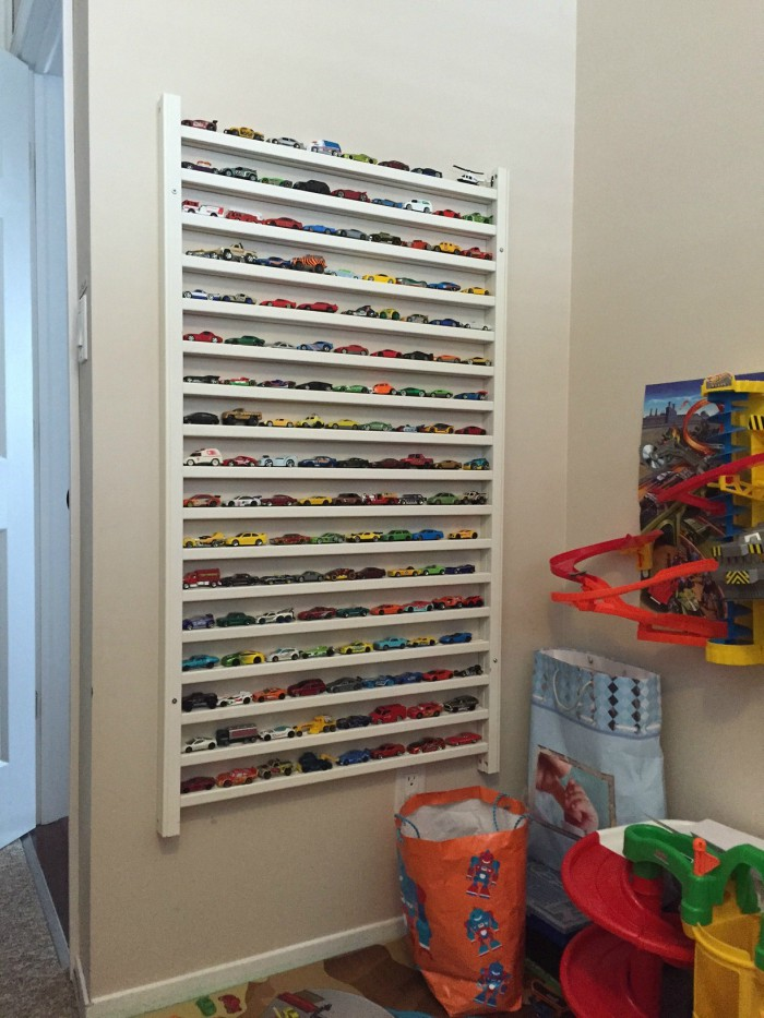 crib side rail hot wheels display