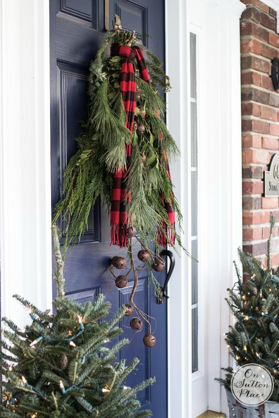 pine bunches - Ideas For Front Porch Christmas Decorating