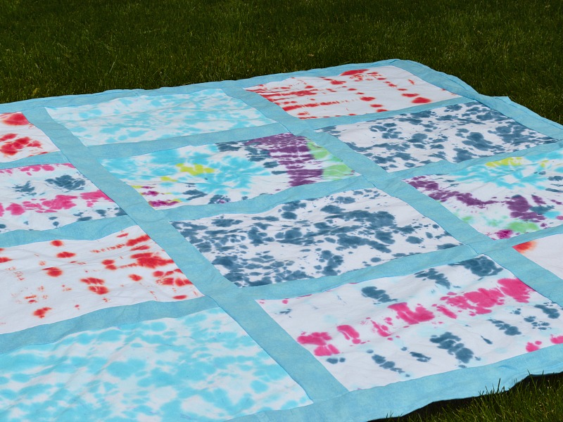 Tie-Dyed-Picnic-Blanket-2