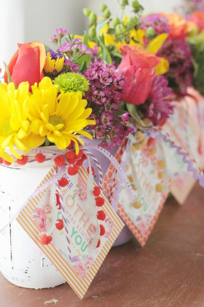 DIY Candy - DIY Mother's Day Gift Vases