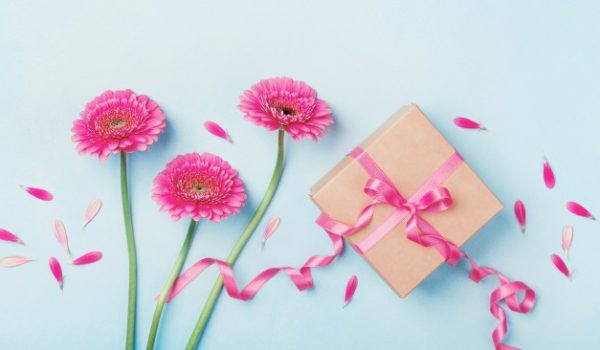10 Ways to Celebrate Mother's Day that Won't Break the Bank