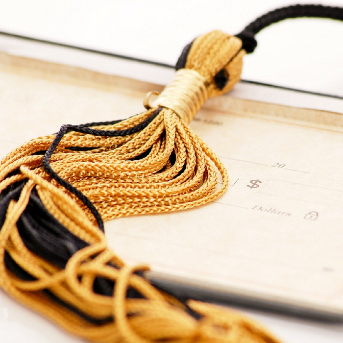 Perfect Graduation Gifts to Celebrate the End of their College Years