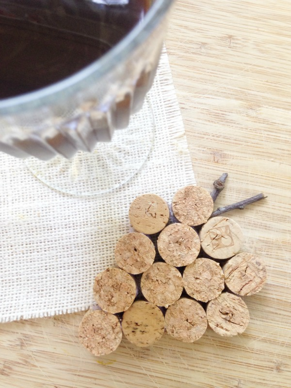 Wine Cork Crafts - Wine Cork Coasters- The Homespun Hygrandgea