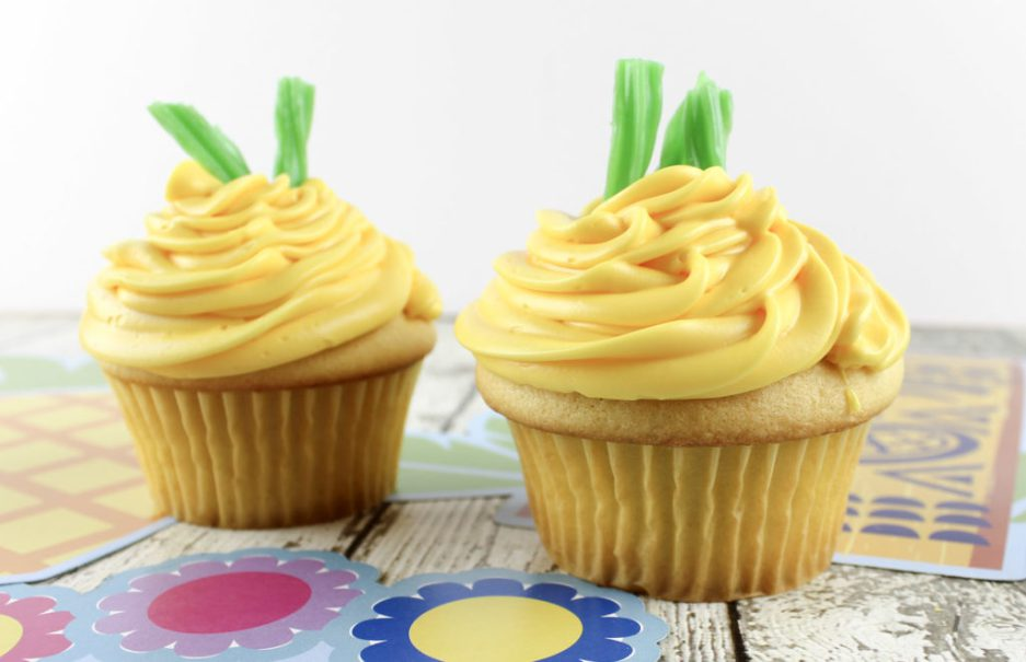 Summer Inspired Cupcakes - Pineapple Cupcakes - The Mommy Mix