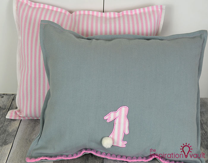 Easy Sewing Projects for Beginners - Tea Towel Pillows- The Inspiration Vault
