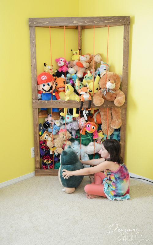 Playroom DIY - Stuffed Animal Corner Storage - Down Redbud Drive