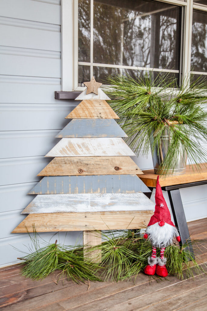 DIY pallet Christmas tree is one of many Christmas pallet ideas